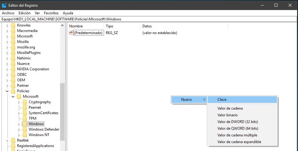 Árbol de carpetas para desactivar Cortana